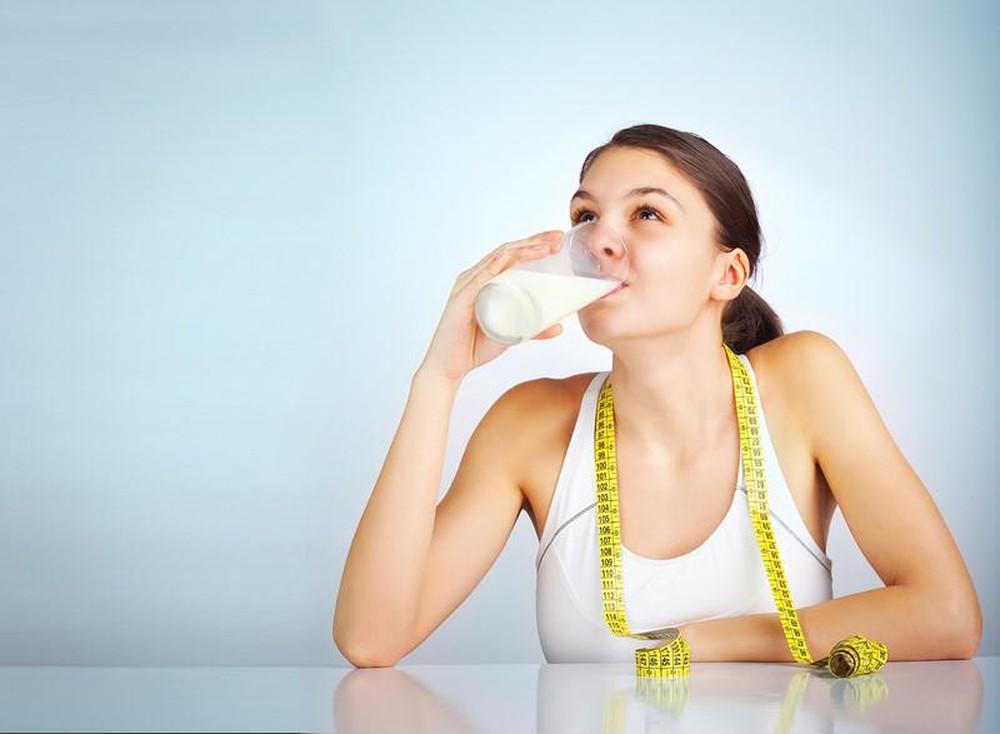 Uống sữa đậu nành không đường để giảm cân nhanh chóng