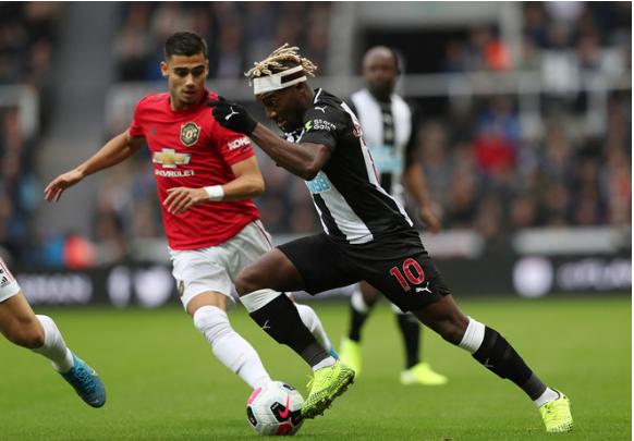 Man United chìm trong khủng hoảng khi để thua Newcastle