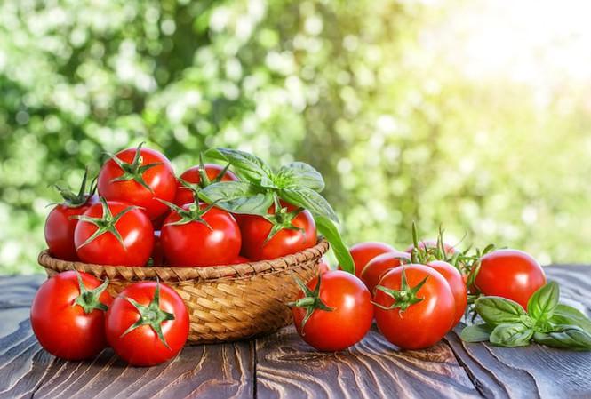 uống nước ép cà chua lúc nào là tốt nhất
