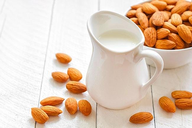 Những lợi ích từ sữa đậu nành hạnh nhân với bà bầu